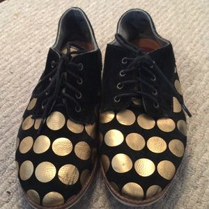 Shoes - Black Derby-Style Shoes with Gold Polkadots